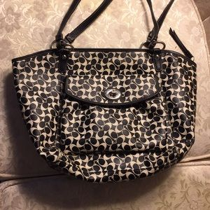Coach purse handbag with front pocket